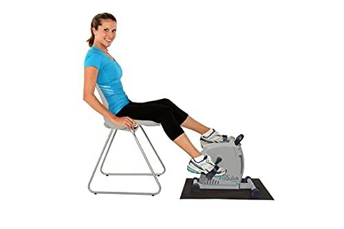 NEU - FitQuick - Premium-Qualität - Mini-Heimtrainer - Leiser, sanfter Magnetwiderstand - Rehabilitationstraining für Beine und Arme - Ein tragbarer, einfacher Heimtrainer, der am Sofa oder Stuhl im Sitzen verwendet wird. Baut Muskeln in den Beinen und Armen auf, stärkt Gelenke und Bänder und fördert die Durchblutung - Zwei Richtungen trainieren mehr Muskelgruppen - Von Physiotherapeuten empfohlen, da Magnetwiderstand die Gelenke schont. Variabler Widerstand, um Herz und Kreislauf zu trainieren.