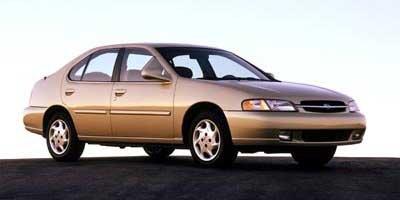 1999 Nissan Altima GLE 4 Door Sedan Automatic Transmission