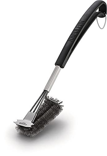 Napoleon - Cepillo para barbacoa de acero inoxidable de tres filas con raspador (62063).