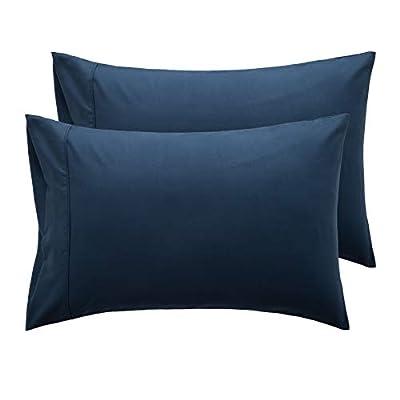 CARACTERÍSTICAS DESTACADAS: Fundas de almohada simples y ultra suaves visten su cama lujosamente para todas las estaciones en el dormitorio, la habitación de invitados y la casa de la vocación- Puntos de costura ajustados y la mano de obra exquisita ...