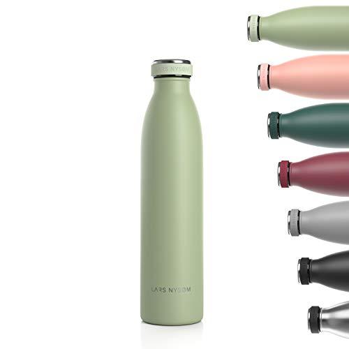 LARS NYSØM Edelstahl 750ml Trinkflasche | 0.75 Liter BPA-freie Isolierflasche | Auslaufsichere Wasserflasche für Sport, Fahrrad, Hund, Baby, Kinder (Sage)