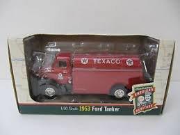 Ertl 19484 Die-cast 1953 Ford Tanker Truck Texaco Aviation 1/30 Scale