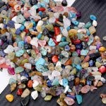 Veraing 120g Natural Chip Beads About 480Pcs, Gemstones Stone Beads Healing Crystal Loose Rocks Hole Drilled Bead for DIY Bracelet Jewelry Making (3-5mm,8 Color)