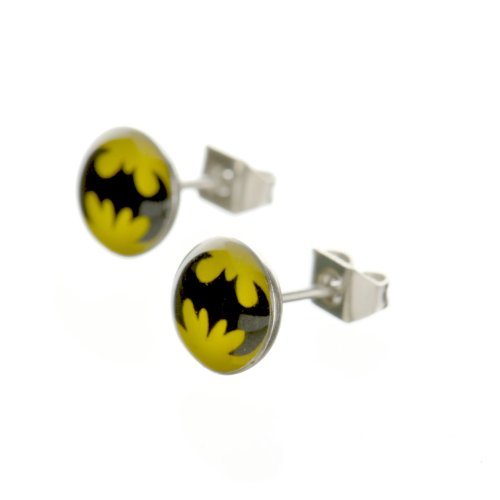Pendientes redondos de Batman en color blanco y rojo hechos de acrílico y acero inoxidable quirúrgico de 8 mm de Jewellery of Lords
