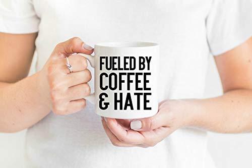 Fuelled by Coffee & Hate, Kaffeeliebhaber Geschenk, Kaffee und Hut, Geschenk für sie, Geschenk für ihn, lustige Kaffeetasse, 325 ml, Geschenk für Geburtstag, Weihnachten