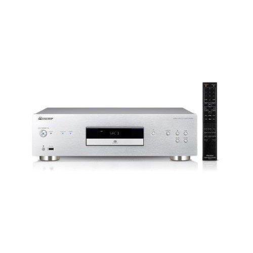 Elaborazione del segnale audio Hi-bit 32, 192 kHz/32-bit Twin DAC Riproduzione di SACD, CD, CD-R, CD-RW, DVD-R, DVD-RW, DSD Disc, MP3/WMA/MPEG-4 AAC Pannello frontale in alluminio, dimensioni: 43.5 x 13 x 32.9 cm e peso 7.8 Kg Dynamic Range: 100 dB, ...