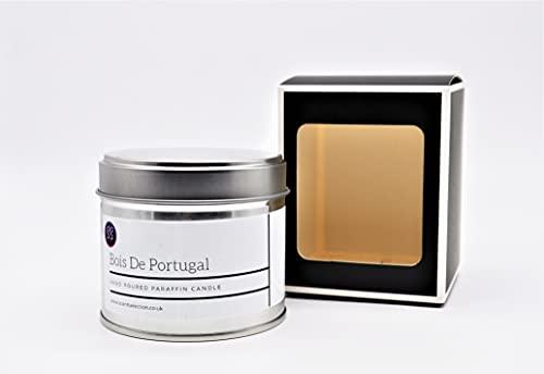 Vela perfumada de parafina Bois Du Portugal en lata. Hecho de cera de grado premium y aceite de fragancia. En caja