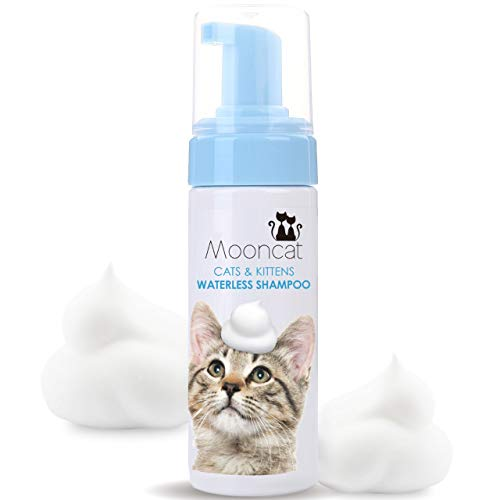 Mooncat Waterless Cat Shampoo [Easy to Use Dry Cat Shampoo] Suitable for All Cat Types. Contains Safe Ingredients - Alcohol Free - Parabens Free - No Water or Rinses Needed (5 oz)