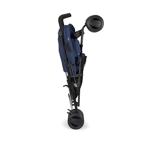 Passeggini 4 Ruote Chicco 00.79258.640 Passeggino London Up Blue Chicco Easy and agile, that's the motto of london up. for comfortable driving in the busy city this buggy is ideal. Recommended from birth to 15 kg body weight The backrest is 4-way adjustable - with only 1 hand. 3