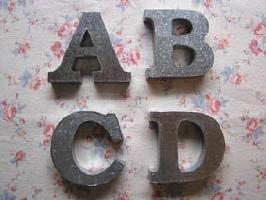 ブリキ アルファベットオブジェ 文字:C