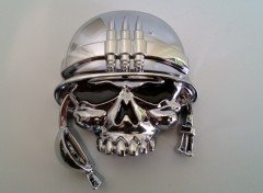 3D-Sticker, Chromfarben, Totenkopf mit Helm