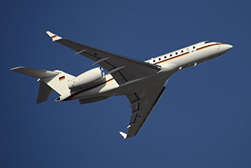 Timm Ziegenthaler/Stocktrek Images – A Bombardier Global 5000 VIP Jet of The German Air Force. Photo Print (88,39 x 58,93 cm)
