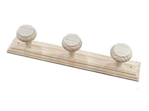 Griekse kapstok om op te hangen van hout. 3 x knoppen van ruw grenenhout, kan worden beschilderd. Afmetingen: 38 x 6 cm.