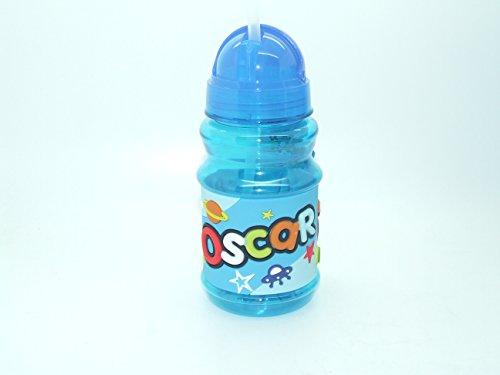 OSCAR - Botella con tapa abatible y práctica con tapa libre de BPA que sella la paja por lo que es perfecta para bolsas de almuerzo de 16 cm de altura. Ten en cuenta que los nombres de las botellas no se pueden cambiar el nombre que recibirás está en el título