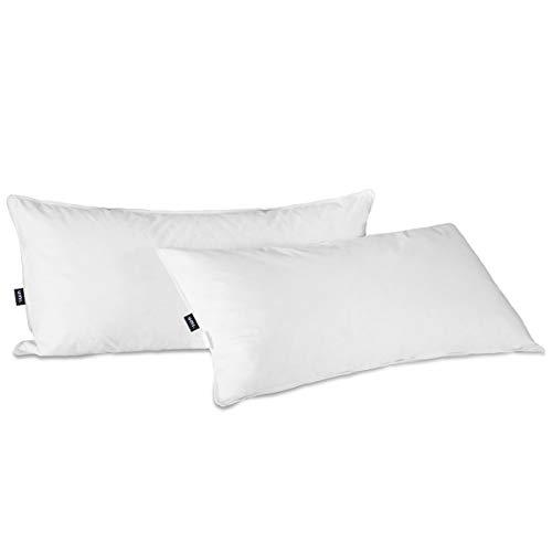 UMI. by Amazon - Almohada Suave Lavable de Plumas y Plumón de Ganso Blanco para Todas Las Estaciones con Funda de 100% algodón, 40 x 80cm (Juego de 2, Blanco)