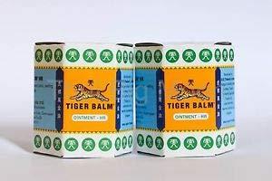 Tiger Balm weiß - Doppelpack, Natürlicher Balsam zur Förderung der Hautdurchblutung und bei Erkältungsbeschwerden - Einreibung mit hochwertigen ätherischen Ölen, 2 x 19,4 g