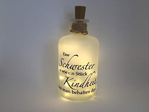 Farbwuselei Flaschenlicht Schwester ist wie EIN Stück Kindheit, das Man behalten darf Bottlelight Dekoflasche Beleuchtung LED Leuchtflasche Lichterkette Geschenk Homedeco modern
