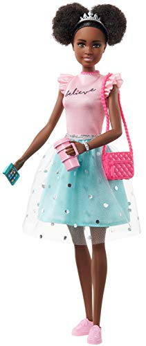 Barbie Princess Adventure Nikki Doll (11.5-inch Brunette) in Fashion and Accessories, with Smart Phone, Purse, Travel Mug and Tiara, Gift for 3 to 7 Year Olds