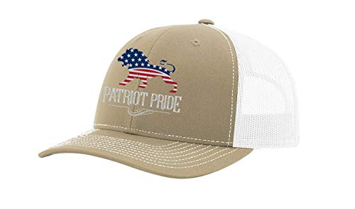 Heritage Pride Boné masculino bordado com a bandeira americana Leão Patriota Americana Orgulho de malha nas costas, Khaki/White, tamanho �nico