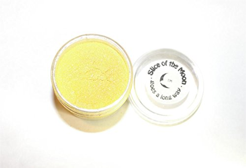 Slice of the Moon: Flashing Yellow Mica Powder 28g, Natural Mineral Mica, Cosmetic Grade for Lipstick Lip Gloss Bath Bombs Epoxy Resin Face Blush Powder Eye Pencil Dye Pigments Candle Making