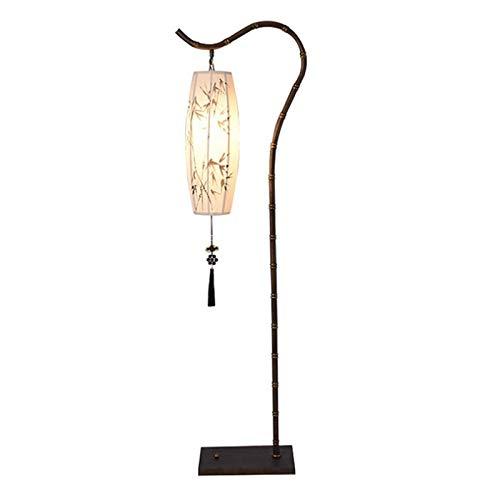 Accesorio de iluminación Lámpara de pie Interruptor de pie de pie Arc de pie negro Hierro forjado Hierro hecho a mano Linterna de tela de bambú con decoración de borla Lámpara de pie 1.55m con interru