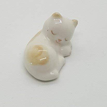 Ceramic cat figurines _image1
