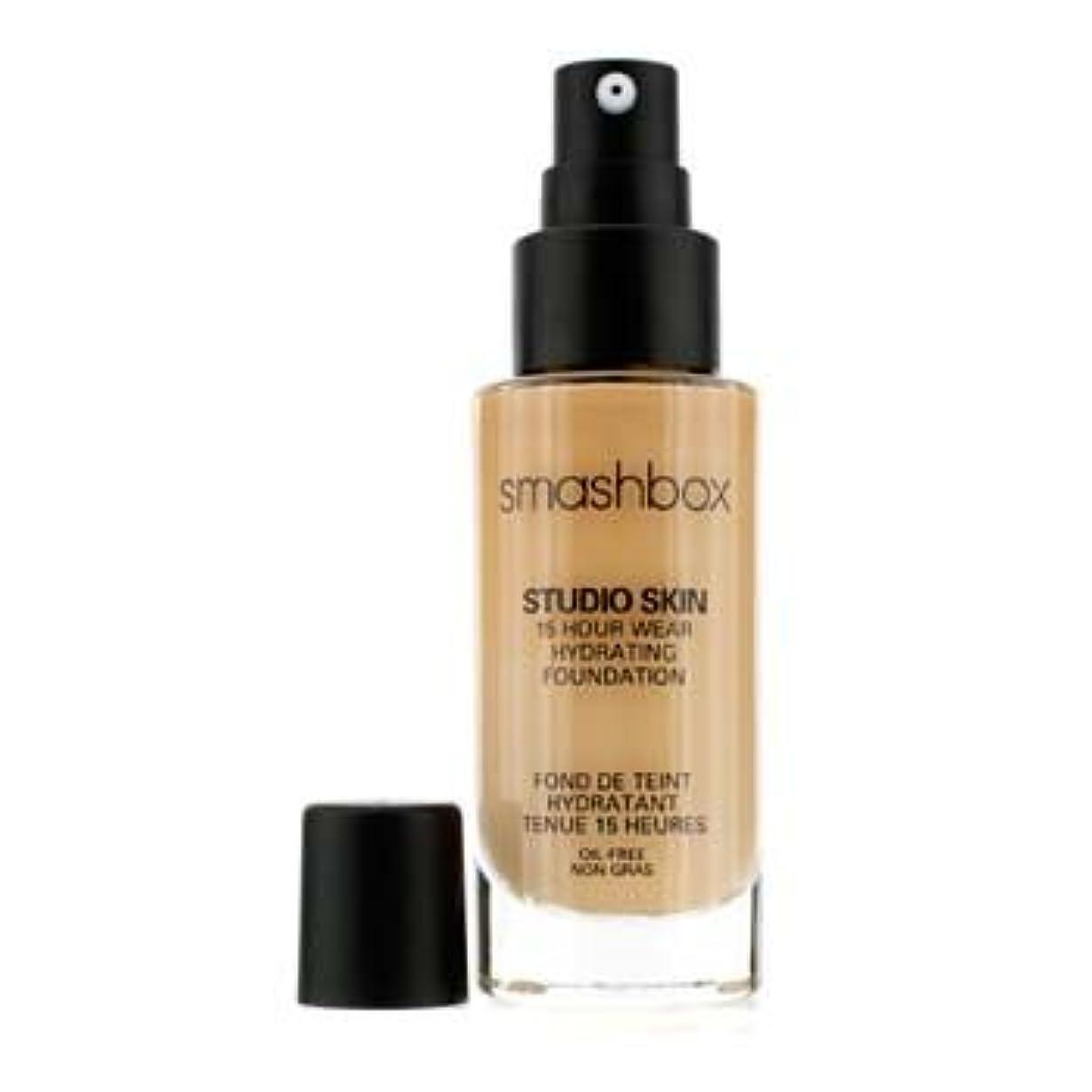 スロー弾性民主主義スマッシュボックス Studio Skin 15 Hour Wear Hydrating Foundation - # 2.2 Light Golden Beige 30ml/1oz並行輸入品