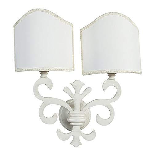 Lampada bianca a due braccia in stile shabby country giglio