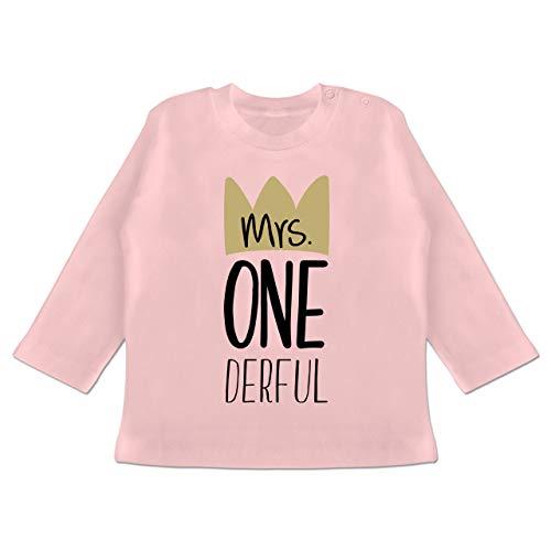 Geburtstag Baby - Mrs One Derful - 6/12 Monate - Babyrosa - t Shirt Baby one - BZ11 - Baby T-Shirt Langarm