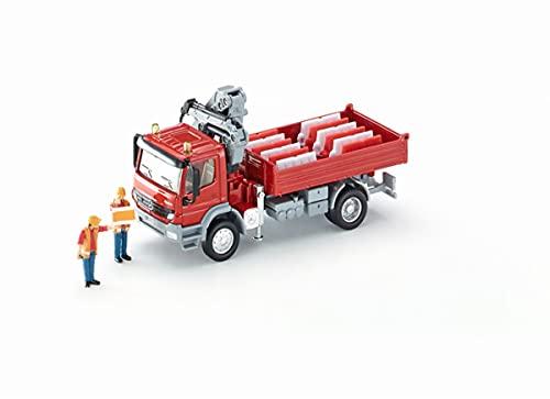 siku 3534, LKW mit Ladefläche und Kran, 1:50, Metall/Kunststoff, Rot, Inkl. 2 Spielfiguren und 12 Verkehrsleitblöcken