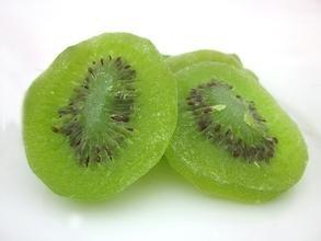 キウイフルーツは、雲南省から乾燥スライス1000 gをカット