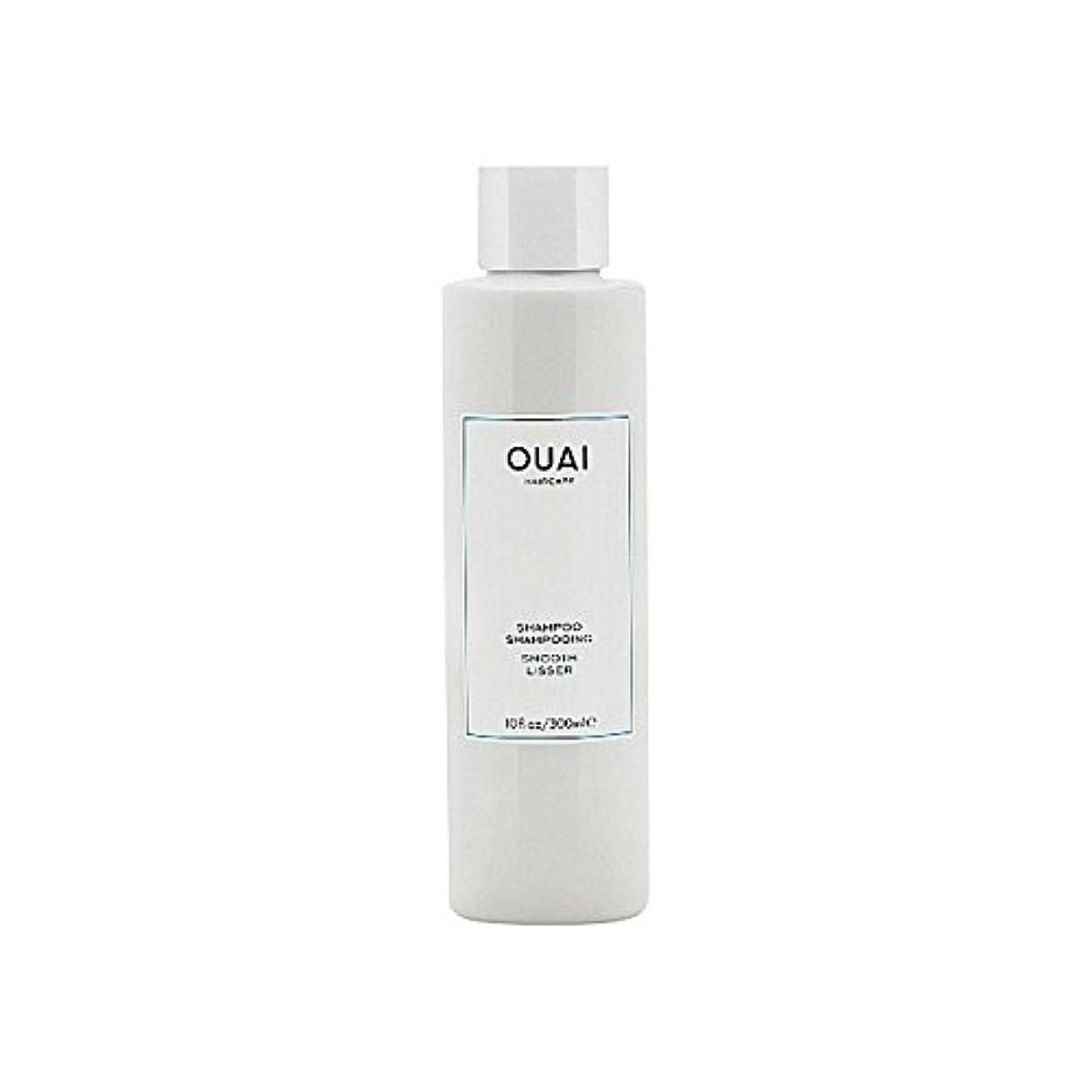 うなずく手数料ずるいスムーズなシャンプー300ミリリットル x4 - Ouai Smooth Shampoo 300ml (Pack of 4) [並行輸入品]