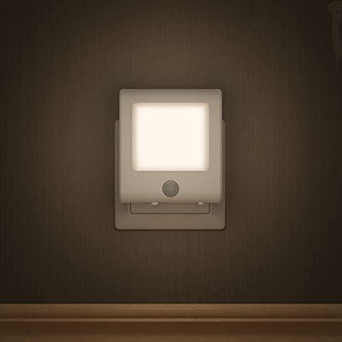 Premium Nachtlicht von BEARTOP | Dämmerungs- und Bewegungssensor | warmweiß, dimmbar | AUTO/ON/OFF | Orientierungslicht, Schrankbeleuchtung | energieeffiziente LED | ZUFRIEDENHEITSGARANTIE (3 Jahre)*