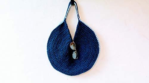 Bolso de crochet circular. Bicolor azul y gris.