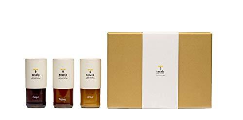 Tesela estuche premium: 3 variedades (azahar, bosque y milflores) con palito de madera de olivo. 3 x 11.28 oz (320 gramos) cada tarro de cristal