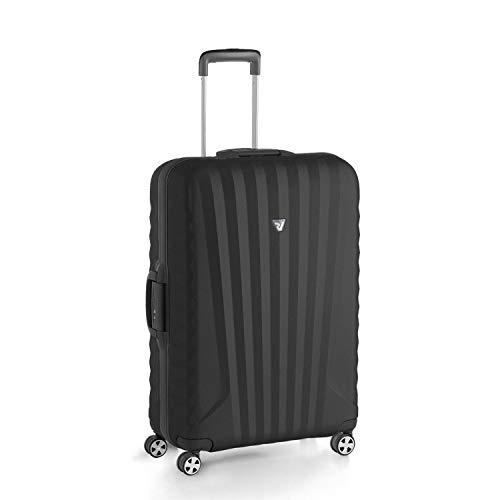 Review 28 Black/Black Spinner Luggage - Black / Black