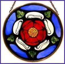 Dekorativer handbemalter Sonnenfänger aus Buntglas, Motiv: Windsor Castle Tudor