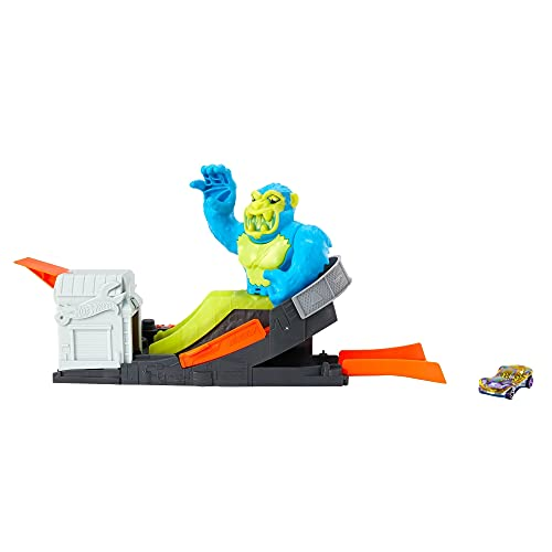 Hot Wheels Toxic Ape Attack Play Set for Kids 4 to 8 Years Old, Launch Included Hot Wheels Car at Moving Purple Ape to Defeat It Before It Knocks Cars Off The Track & Destroys Garage