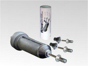 remachadora RiveDrill E10 para remachar con taladro de baterías. A derechas remacha y a izquierdas expulsa el vástago. Se instala como una broca.Fabricado en España.