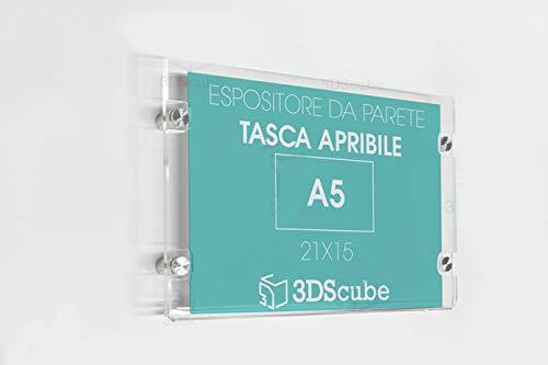 targa in plexiglass da parete a tasca apribile, porta avvisi e depliant formato A5 orizzontale 21×15 cm, completa di distanziali in alluminio spazzolato