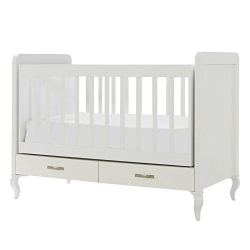 Meegroeiende babykamer Snowy met commode, kledingkast en babybed met kantelfunctie, combinatie: klein bed. Kledingkast met 3 deuren.