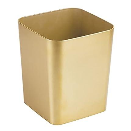mDesign Elegante Papelera de baño de plástico – Versátil Cubo de Basura Cuadrado para el Cuarto de baño – Estable Papelera de diseño, también útil para el despacho o la Cocina – Color latón