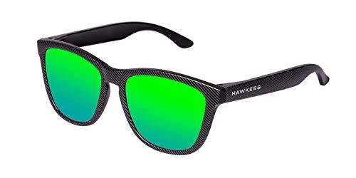 HAWKERS Gafas de Sol ONE Carbono, para Hombre y Mujer, con Montura Negra Mate con Trama y Lente Esmeralda Efecto Espejo, Protección UV400
