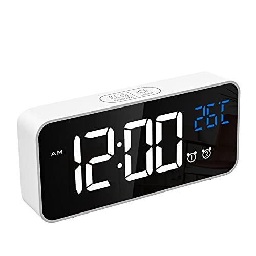 CHEREEKI Reloj Despertador Digital, Despertador Alarma Dual Digital Alarm Clock con Temperatura, 4 Brillo Ajustable Función Snooze, Puerto de Carga USB, 12/24 Horas, 16 música (Blanco-1)