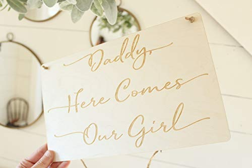 qidushop Vintage Holzschild Daddy Here Comes Our Girl, Laserdruck, Heimdekoration, Wandschild, Geschenk