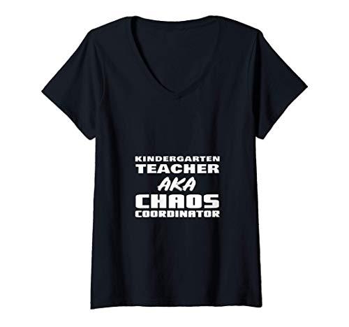 Mujer Maestra De Kindergarten AKA Coordinadora Del Caos Regreso A Camiseta Cuello V