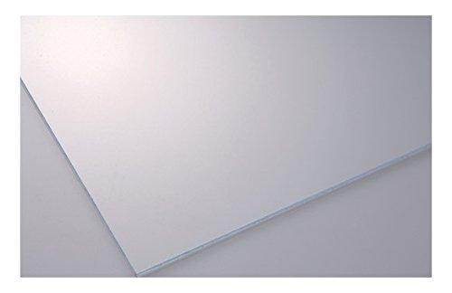 Vetro Sintetico Pretagliato In Materiale Polistirolico Liscio Trasparente. Resistente, Morbido Al Taglio E Di Facile Applicazione, Viene Utilizzato Per Finestrature, Pannellature Di Vario Genere Dove C'È Necessità Di Luminosità E Trasparenza.