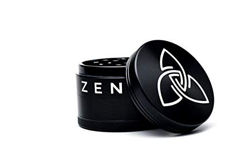 Zen XXL Grinder aus extrem leichten, rostfreien und robusten Aluminium aus der Raumfahrt, Crusher mit Kratzer im Pollenfach, ø 6,30 cm, sehr scharfe Messer und Neodym Magnetdeckel