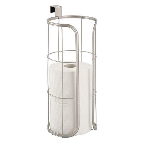 mDesign Porta rollos de repuesto para colocar sobre la cisterna – Soporte para papel higiénico redondo para 3 rollos – Portarrollos para baño de metal sin taladro – plateado mate