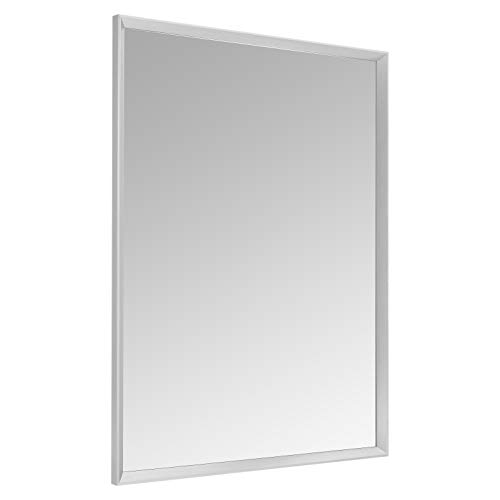 Amazon Basics Espejo para pared rectangular, 76,2 x 101,6 cm - marco biselado, níquel